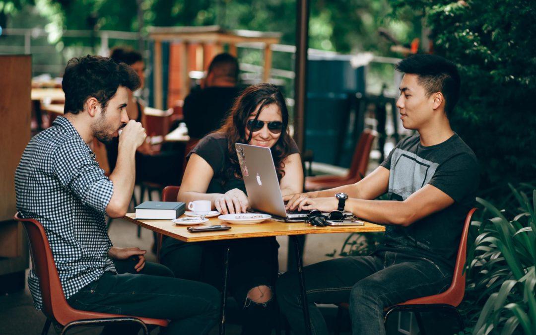 EM Lyon Business School : créer un canal de communication collaboratif et sécurisé grâce à Watcha !